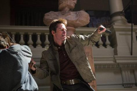 Episode-1-01-Pilot-Promo-Photos-revolution-2012-tv-series-31915669-600-400